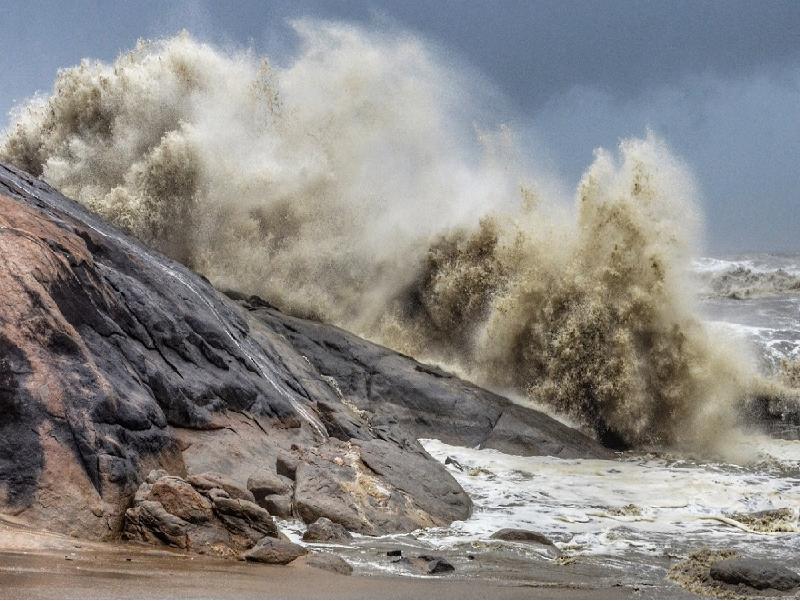 Cyclone Tauktae – ঘূর্ণিঝড়ের প্রভাবে পশ্চিমবঙ্গেও চলবে ঝোড়ো হাওয়া সহ বৃষ্টিপাত